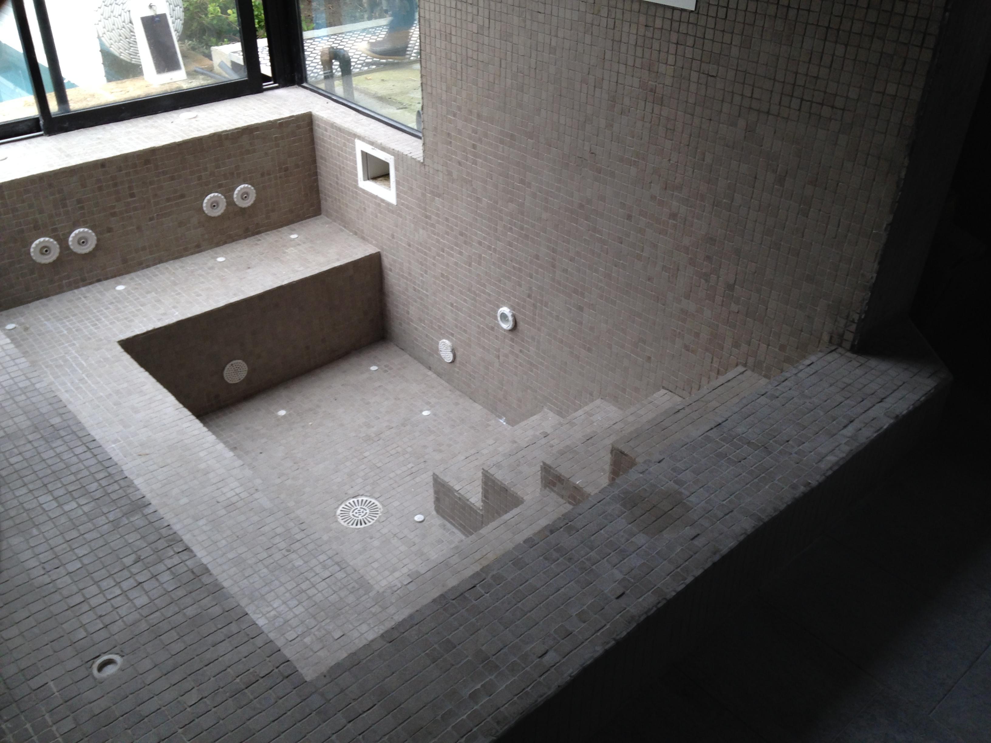 Spa carrel autre vue pisciniste palois construction for Construction piscine pau
